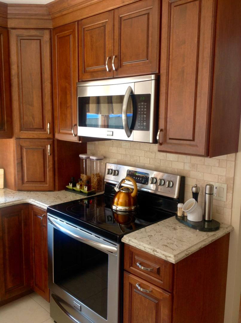 Stock and semi custom cabinets mattituck riverhead for Semi custom cabinets